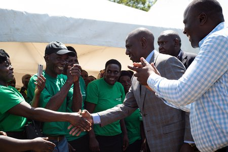 Kenyan Deputy President Ruto meeting One Acre Fund staff